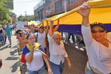 Protestan para que Maduro deje ingresar la ayuda humanitaria