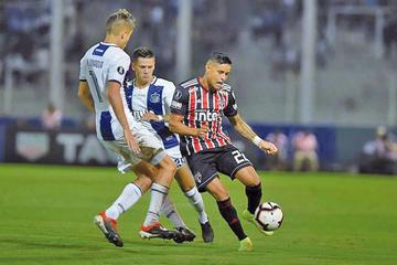 Sao Paulo busca revertir el marcador ante Talleres