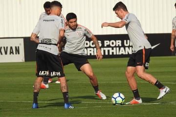 Corinthians se mide a Racing en la Sudamericana