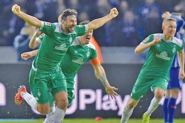 Claudio Pizarro hace historia en la Bundesliga