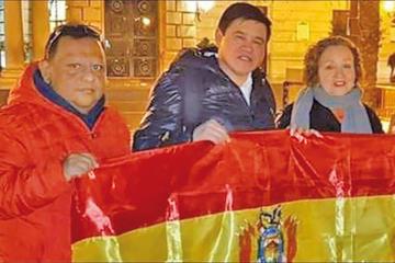 Bolivianos reclaman empadronamiento en ciudades de España