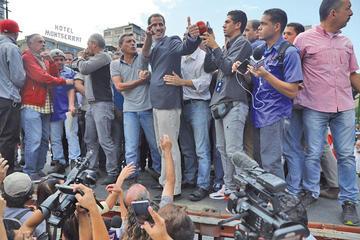 Guaidó exigirá a militares el ingreso de ayuda humanitaria
