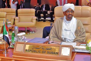 Disuelven el Gobierno en Sudán y dictan estado de emergencia