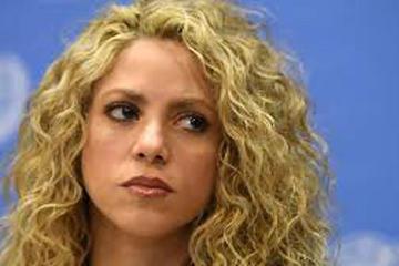 Justicia española cita a Shakira