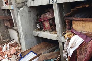 Protestan contra el alcalde de Achocalla por destruir tumbas