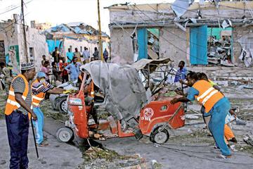 Atentado con camión bomba deja 32 muertos en Somalia