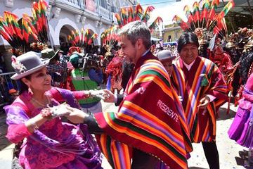 """Abdo califica al Carnaval de Oruro como una """"maravilla"""""""
