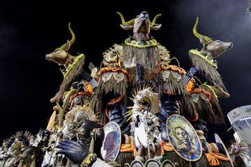 Las comparsas encienden el gran carnaval de Brasil