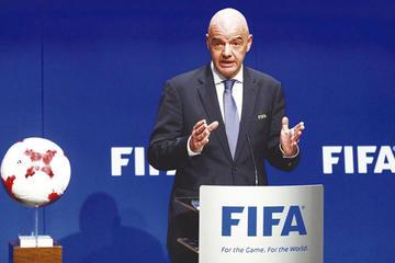 """La FIFA aplaude el """"éxito"""" del uso del VAR"""