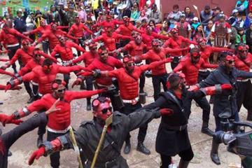 El Corso Ciudad de Plata cierra el Carnaval de la Villa Imperial