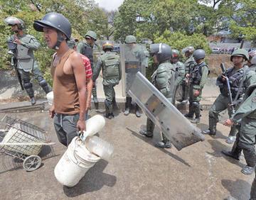 Apagón en Venezuela deriva en saqueos y llaman a movilizarse