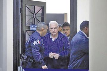 Comienza juicio al expresidente de Panamá por caso de escuchas