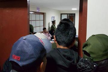 Cinco personas son recluidas  por robo a dos  chilenos