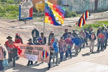 Qhara qharas prevén llegar a La Paz el lunes 18 del presente