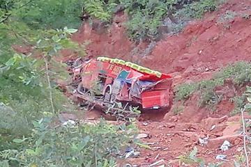 En un accidente de bus mueren siete personas en Monteagudo