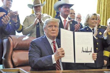 Trump sigue en pugna con el Congreso por muro fronterizo