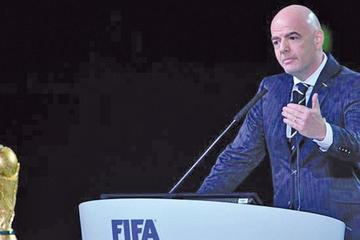 """FIFA ve """"viable"""" Catar 2022 con 48 equipos"""