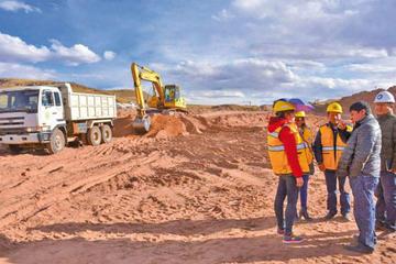 Convenio garantiza las obras del aeropuerto internacional de Potosí