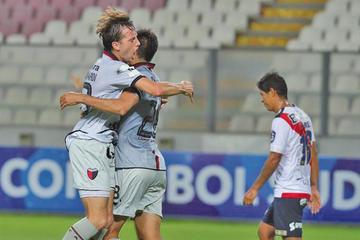 Colón golea 3-0 a Municipal