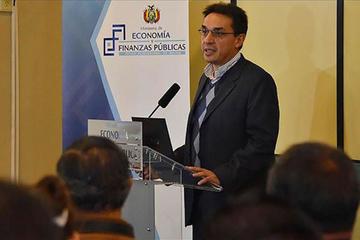 Exministro de Economía, Mario Guillén, asume la gerencia del Banco Unión