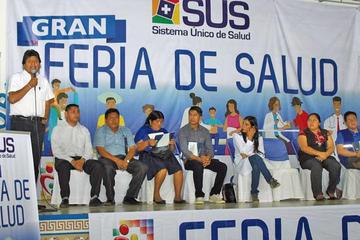 Morales advierte con cambiar a los médicos que saboteen el SUS
