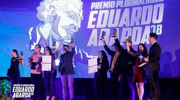 Entregan premio Eduardo Abaroa