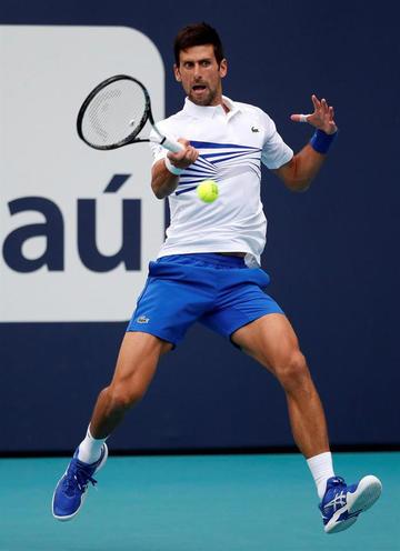 Novak Djokovic vence a Delbonis y pasa a octavos