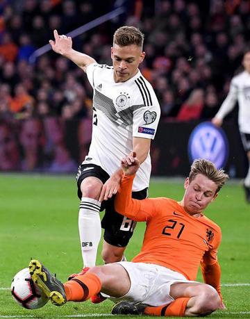 Alemania vence en el último minuto a Holanda