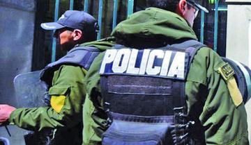 Encarcelan a un policía por intento de violación en Sucre