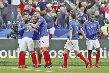"""Francia se da otro festín ante Islandia en """"Saint Denis"""""""