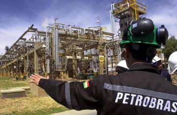 Multan a YPFB por incumplir contrato de entrega de gas