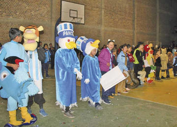 Estudiantes  lucen talento  en concurso  de mascotas