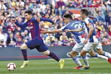 Barcelona gana con goles de Messi