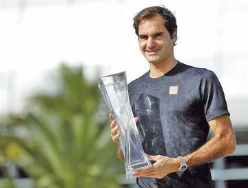 Federer vence a Isner y se proclama campeón en el Abierto de Miami por cuarta vez
