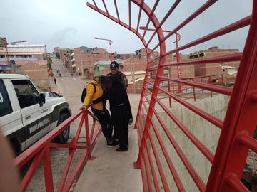 Estudiante quiso lanzarse desde el puente Nazaret