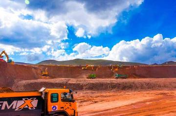 Acortan plazos para que Potosí tenga aeropuerto internacional en breve