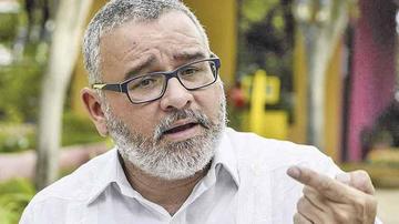 Emiten orden de captura contra el expresidente  Funes de El Salvador