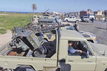 Ofensiva militar se intensifica y acerca un baño de sangre en Libia
