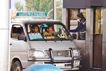 Choferes firman un pacto por transferencias de Vías Bolivia