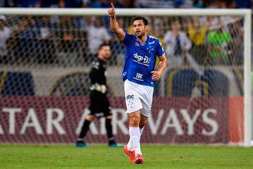 Cruzeiro vence y pasa a octavos de la Libertadores