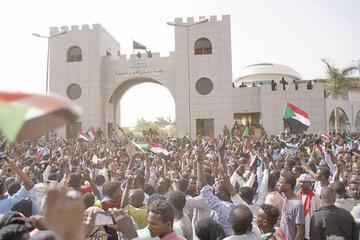 Ejército de Sudán saca a Omar al Bashir del poder tras 30 años