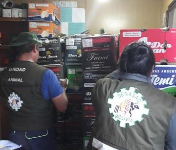 Incautan 81 cajas de fruta que ingresaban de Argentina