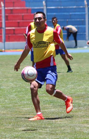 Gómez y Vargas jugarán condicionados ante el Toro