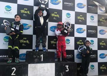 Lucas Careaga sube al podio en la competencia de karting en Santa Cruz
