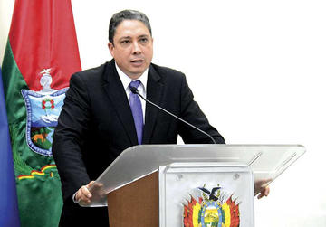 Ministro Arce: No corresponde proceso en Ética a diputados