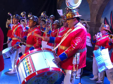 Banda Poopó participa en festival latinoamericano