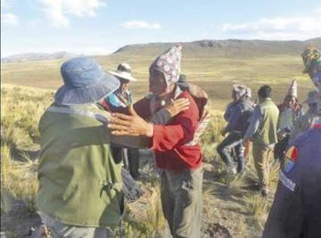 Rubrican acuerdo de paz luego de una balacera entre ayllus del norte