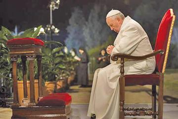 El Papa defiende a los migrantes