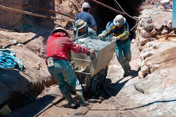 Mineros encuentran escollos en su intento de salir del Cerro Rico