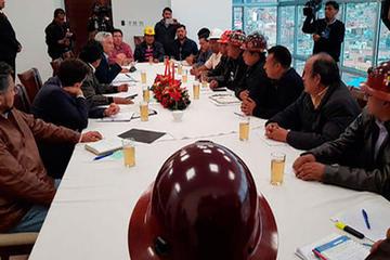 Gobierno y COB inician mañana el diálogo por el alza salarial